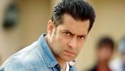 Salman SLAPS His Bodyguard - Shocking!