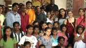 Tu Mere Agal Bagal Hai team on mission charity