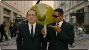Men In Black III - Look Right Here Clip