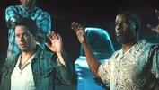 2 Guns - Official Trailer - Denzel Washington